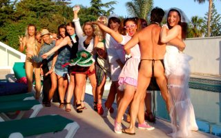 Hen party Marbella, cheeky butler with hens