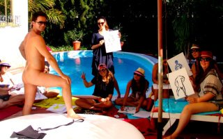 Life drawing class Marbella with full naked model